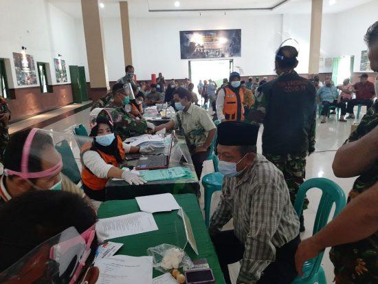 Purnawirawan dan warakawuri di Kabupaten Jombang Peroleh Vaksinasi Covid-19
