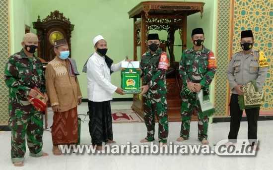 Sambil Bersafari Ramadan, Dandim 0815 Mojokerto Ingatkan Prokes Covid-19