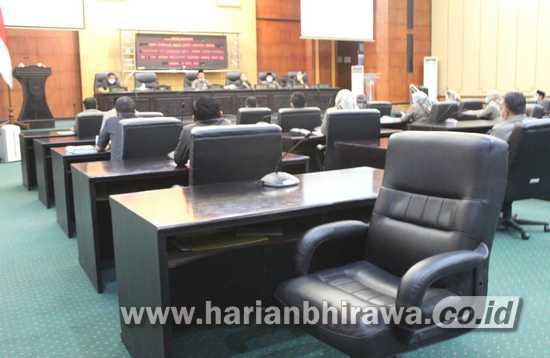 Paripurna, Separuh Lebih Anggota DPRD Kabupaten Jombang Mangkir