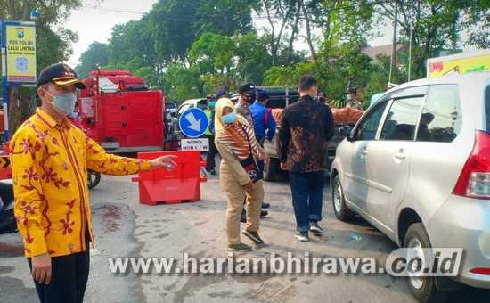 Camat Asemrowo Surabaya Lakukan Penyekatan Larangan Mudik Exit Tol Dupak Rukun