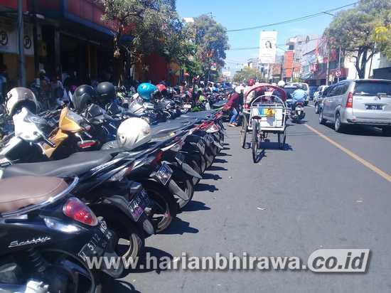 Warga Kabupaten Sidoarjo Masih Keluhkan Layanan Parkir