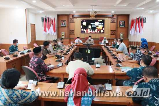 Tim Pakar Satgas Covid -19 Melakukan Anev ke Kabupaten Gresik