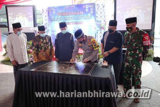 Didampingi Bupati Tuban, Kapolres Resmikan Masjid Baru di Penghujung Ramadan