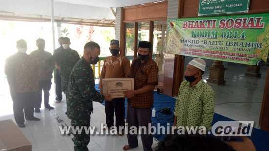 Dandim 0814 Jombang Bhakti Sosial di Kecamatan Plandaan
