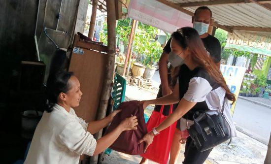 Politisi Cantik Kota Kediri Ini Door to Door Imbau Warga Agar Tak Mudik