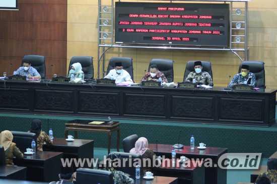 Delapan Fraksi DPRD Jombang Setuju Dua Raperda Partisipatif Ditetapkan Jadi Perda