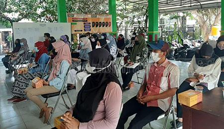 Pemanfaatan Media Lini Bawah untuk Edukasi Covid-19 di Pedesaan