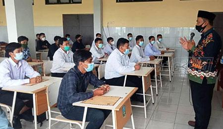 Lulusan SMK Ramai-ramai Mencari Kerja di Sidoarjo