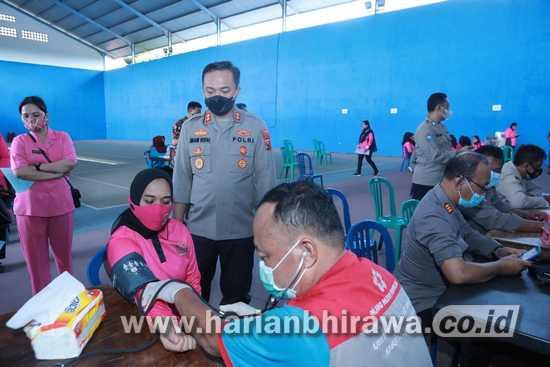 Sambut HUT Bhayangkara Ke-75, Polres Situbondo Gelar Donor Darah