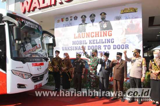 Wali Kota Blitar Launching Mobil Keliling Vaksinasi Kota Blitar