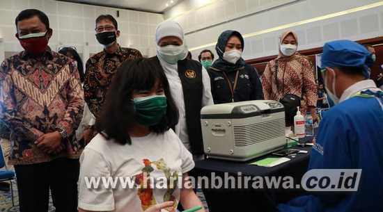 Bersama Sektor Jasa Keuangan, Bank Jatim Sukseskan Program Vaksinasi
