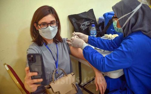 Menyoal Vaksinasi Individu Berbayar