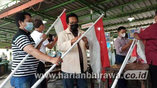 Pedagang di SWK Kibarkan Bendera Merah Putih