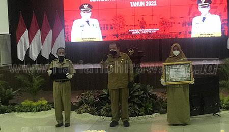 Empat Lembaga SMP dan MTs Terima Penghargaan Adiwiyata