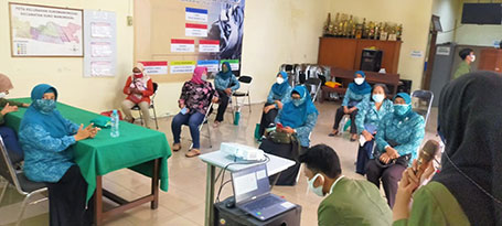 Mahasiswa UPN Veteran Jawa Timur KKN di Kelurahan Sukomanunggal