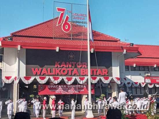 Wali Kota Blitar Santoso Pimpin Upacara  HUT Ke-76 Kemerdekaan RI