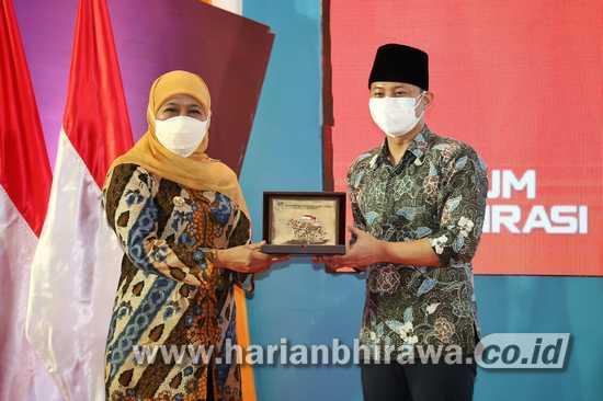 Bupati Trenggalek dapat Penghargaan dari Gubernur Jatim