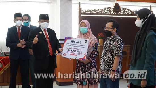 Wali Kota Blitar Santoso Berikan Penghargaan Pemenang Lomba Inotek 2021