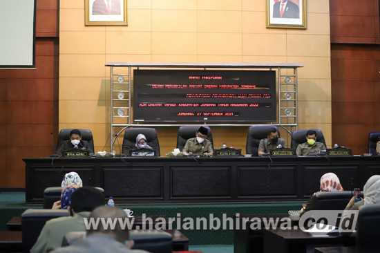 DPRD Jombang Gelar Rapat Paripurna PU Fraksi Terhadap R-APBD Jombang Tahun 2022