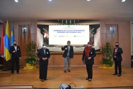 Pembekalan Wisudawan FEB Unair 2021, Sekretaris IKAFE Unair: Adaptasi VUCA Kunci Keberhasilan