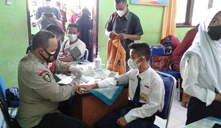 Siswa SMPN 5 Situbondo Intens Dukung Vaksinasi