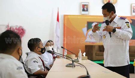 Wali Kota Madiun Jadi Guru di Program Wali Kota Menyapa