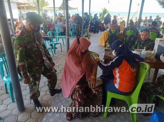 Serbuan Vaksinasi Digencarkan Kodim 0812 Lamongan di Kecamatan