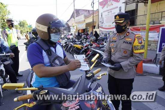 Hari Pertama Operasi Patuh, Polisi Bojonegoro Sebar Brosur