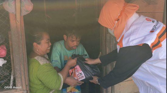 Salurkan Bantuan Anak Berkebutuhan Khusus, Warga: Terima Kasih Bu Reni dan PKS