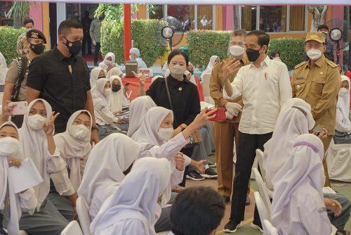 Puan Maharani Bawakan Kuis, Presiden JokowiJadi Juri Siswa
