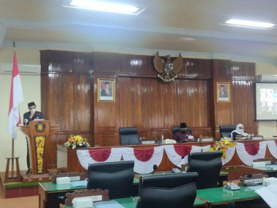 Jawaban PU Fraksi DPRD Trenggalek Disampaikan dalam Rapat Paripurna