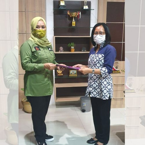 Sampoerna Academy Surabaya Donasikan 550 Buku ke Disperpusip Jatim