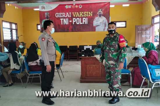 Koramil 0815/14 Dlanggu Bersama Forpimka Kawal Percepatan Vaksinasi