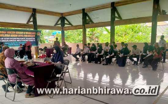 Serbuan Vaksinasi Kodam V Sasar Pelajar SMP-SMA di Wilayah Kodim 0815
