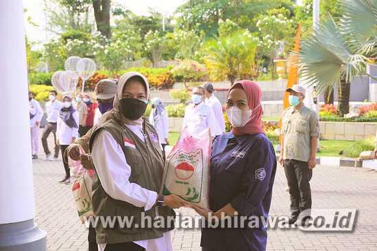 Pemerintah Kota Batu Salurkan 15 Ton Beras ke Warga 24 Desa/ Kelurahan
