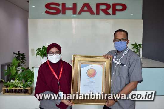 "PT Sharp Dianugerahi ""Indonesia Customer Service Quality Award 2021"""