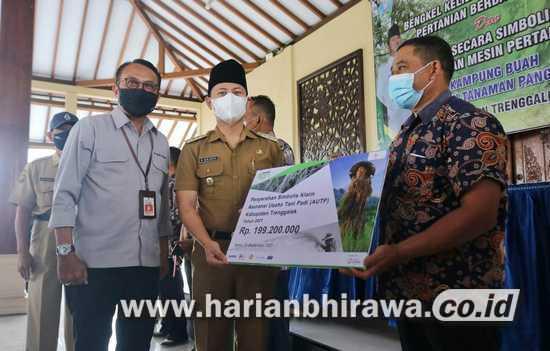 Dispertapan Jawa Timur Launching Bengkel Alsintan Keliling di Trenggalek