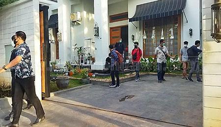 KPK Usut Aset Lahan dan Bangunan Tantri-Hasan