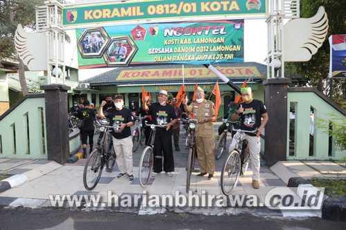Gowes Bareng Club Ontel Ontoseno, Kodim 0812 Baksos ke Warga
