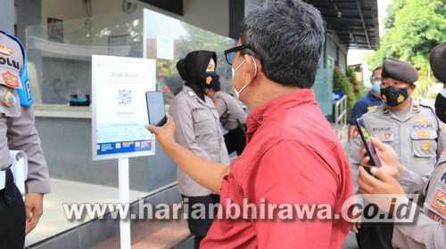 Masuk Polres Tuban Harus Scan Aplikasi Peduli Lindungi