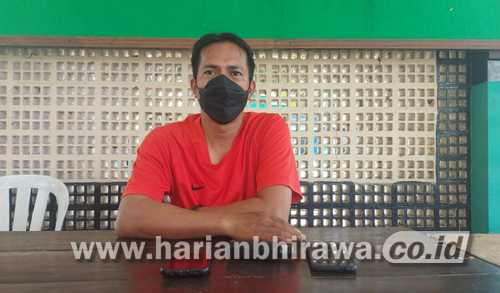 Koordinator Kades Pujer Bantah Adanya Pungli Camat Pujer
