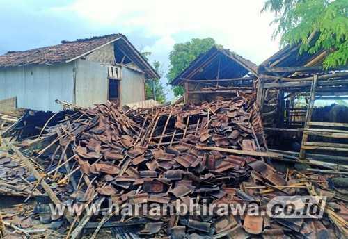 Puting Beliung Rontokkan Puluhan Rumah di Desa Botolinggo Bondowoso