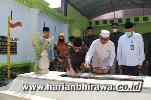 Wamentan Ziarah Ke Makam KH Wahab Chasbullah Tambak Beras Jombang
