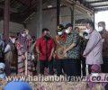 Menteri Teten Masduki Dorong Petani Bawang Merah Bentuk Koperasi