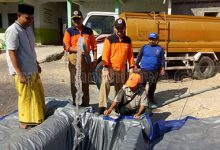 25-1-mendistribusikan-air-bersih-di-Kecamatan-Karang-Penang-dan-Sokobanah