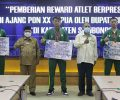Atlet Peraih Medali PON XX Terima Penghargaan dari Bupati Situbondo