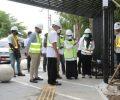 Bupati Mundjidah Pantau Proyek Rehabilitasi Jalan KH Wahid Hasyim dan Alun-alun Jombang